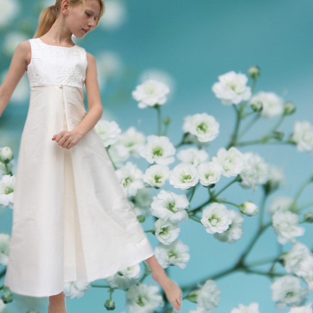 Kommunionkleid Seidenkleid edel und schlicht