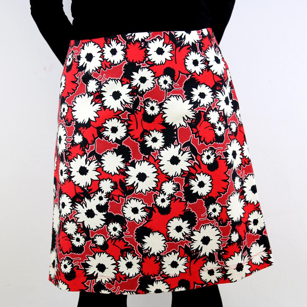 Blumenrock in rot schwarz