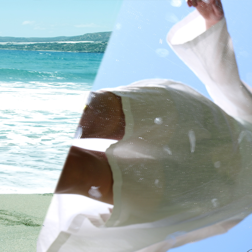 weiße schlichte Tunika