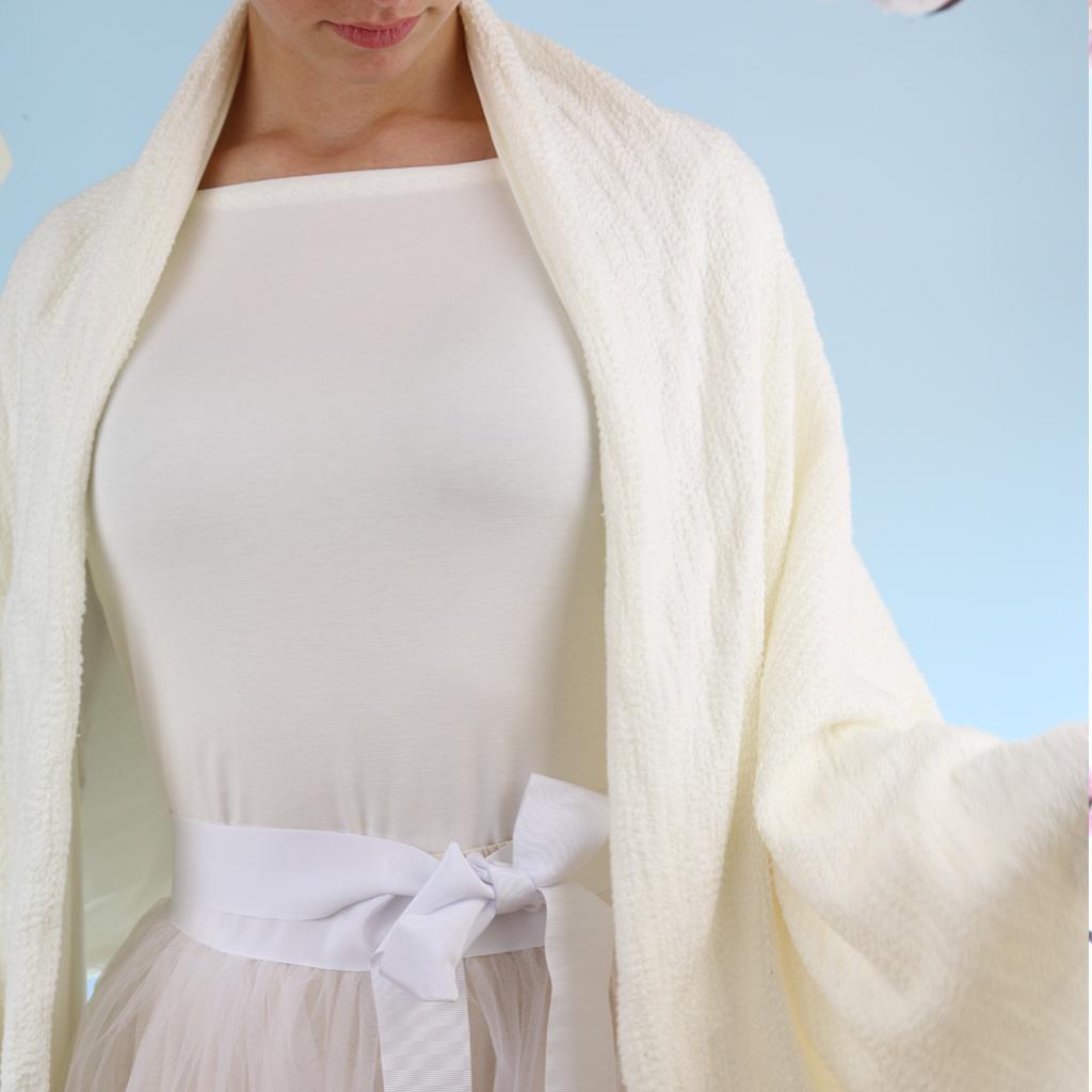 weißer Brautschal