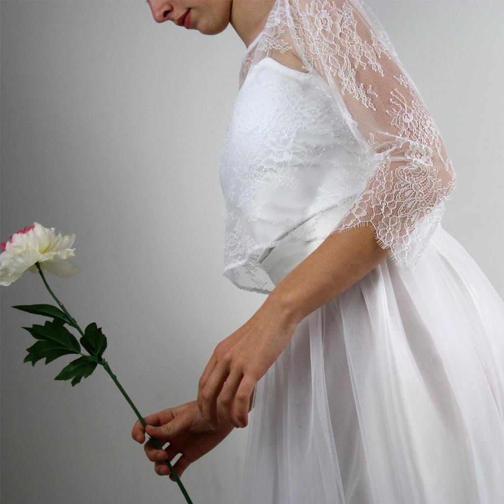 besonderes Spitzenoberteil für die Hochzeit