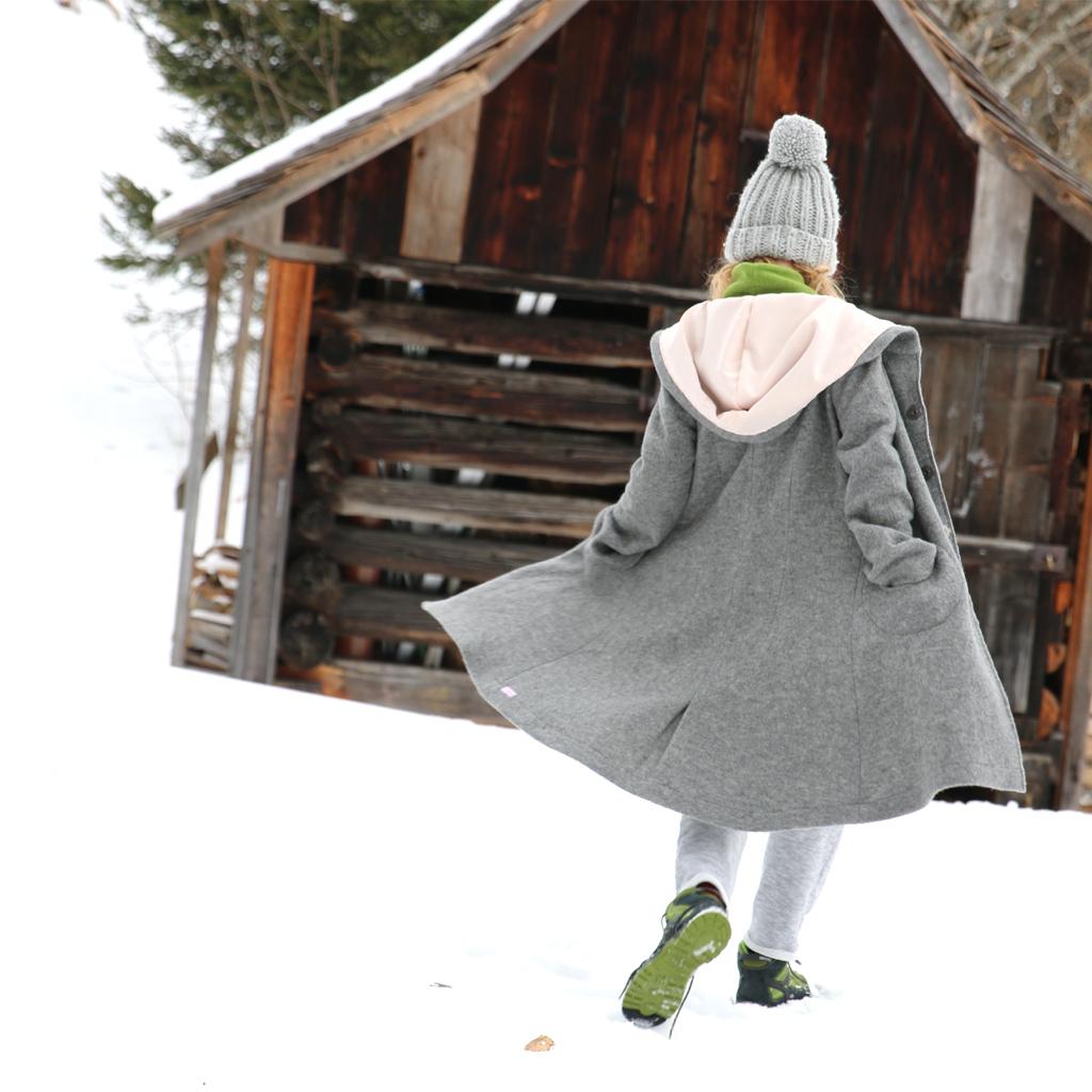 grauer Winterwollmantel