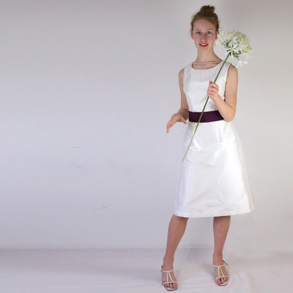 kurzes Hochzeitskleid aus Dupionkleid