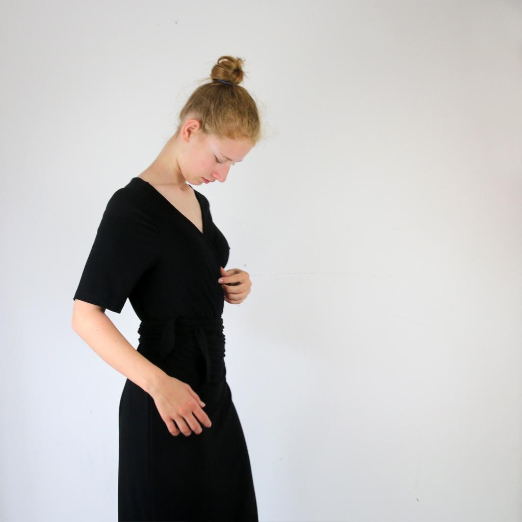 Wickelkleid in schwarz