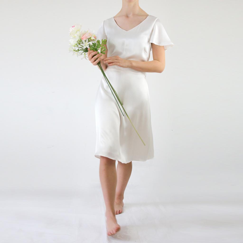 weichfließendes Hochzeitskleid