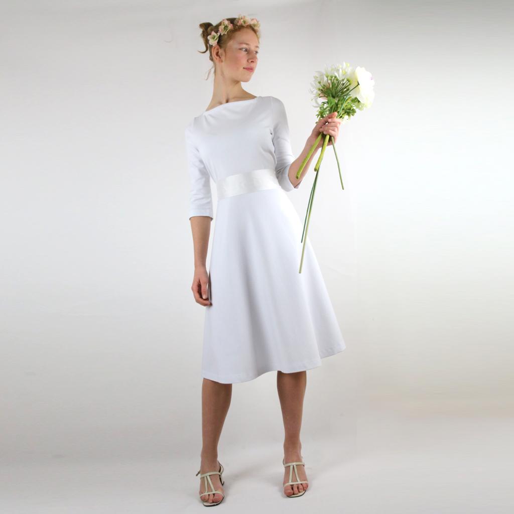 schlichtes Brautkleid aus Romanitjersey