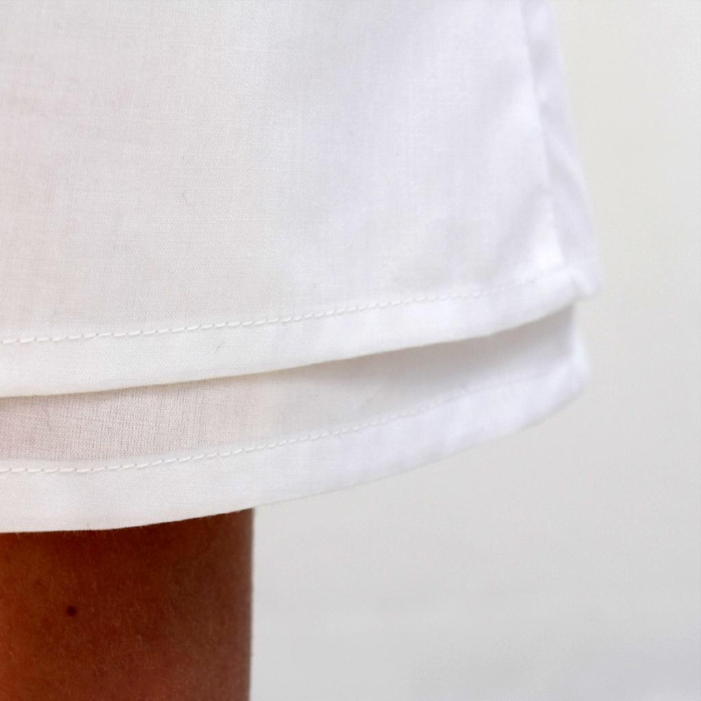 Baumwollbatistkleid in weiß