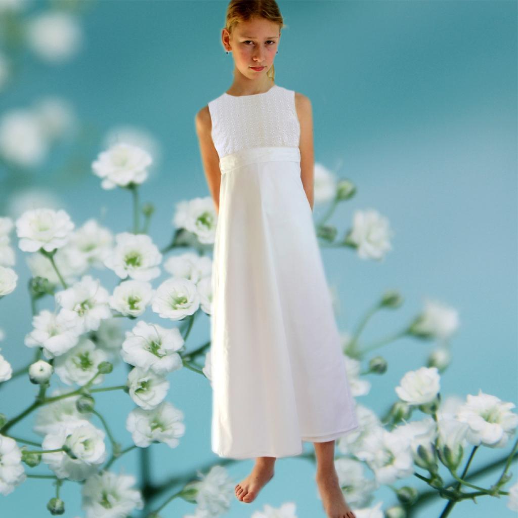 weißes Mädchenkleid für die Kommunion2019