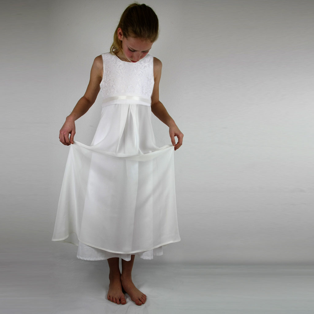 Ein barockes Mädchenkleid