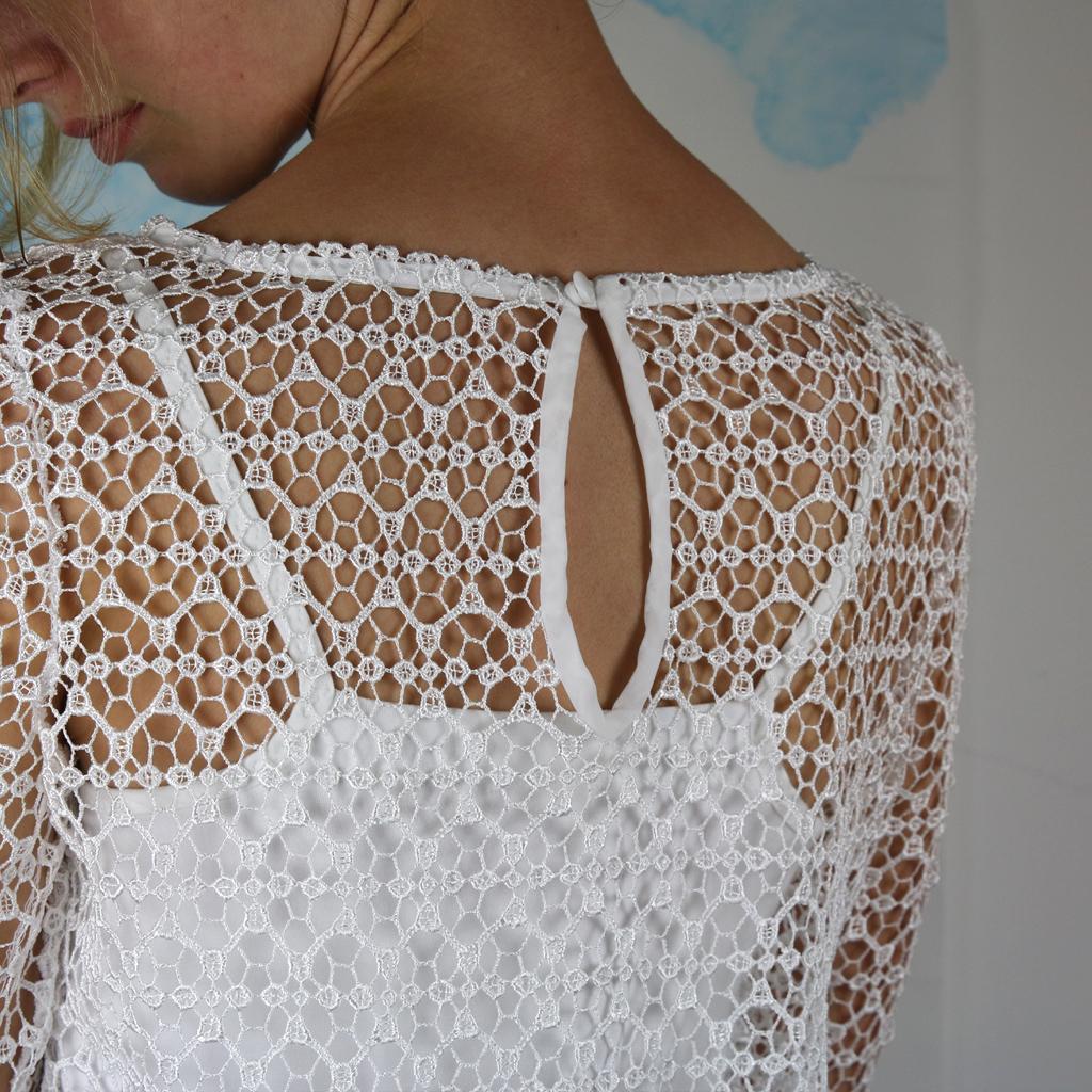 Brauttop mit besonderem Rückendetail