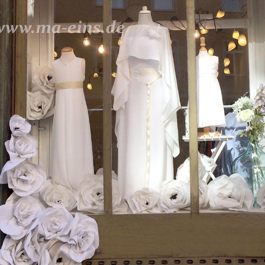 Schaufenster ma-eins Brautatelier in münchen