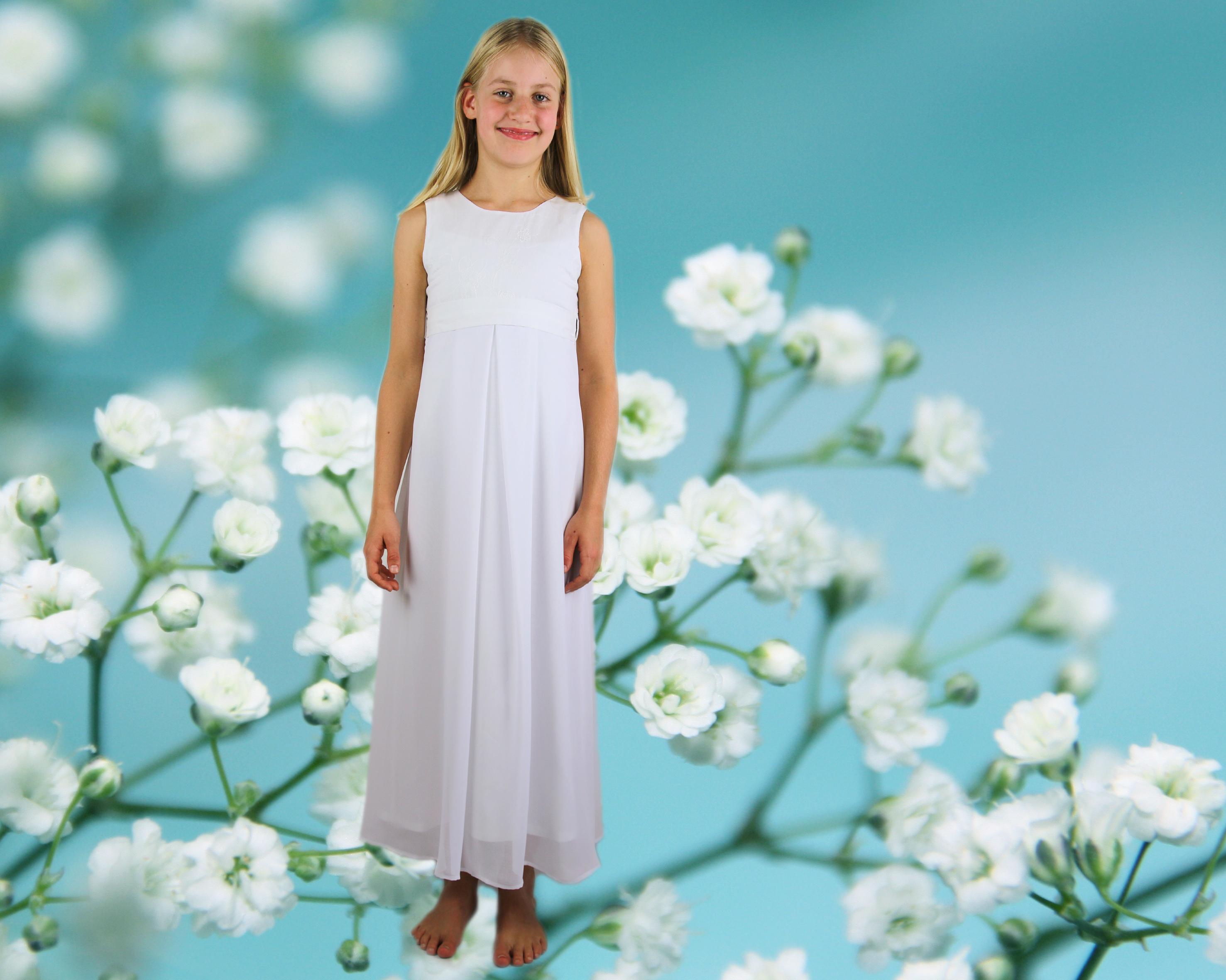 Kommunionskleid in reinweiß für zarte Mädchen