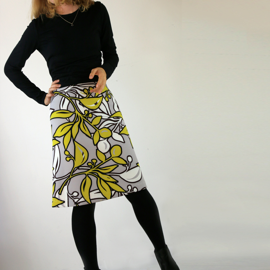 Toller Sommerrock Knieumspielend und in A-linie geschnitten. Mode aus München
