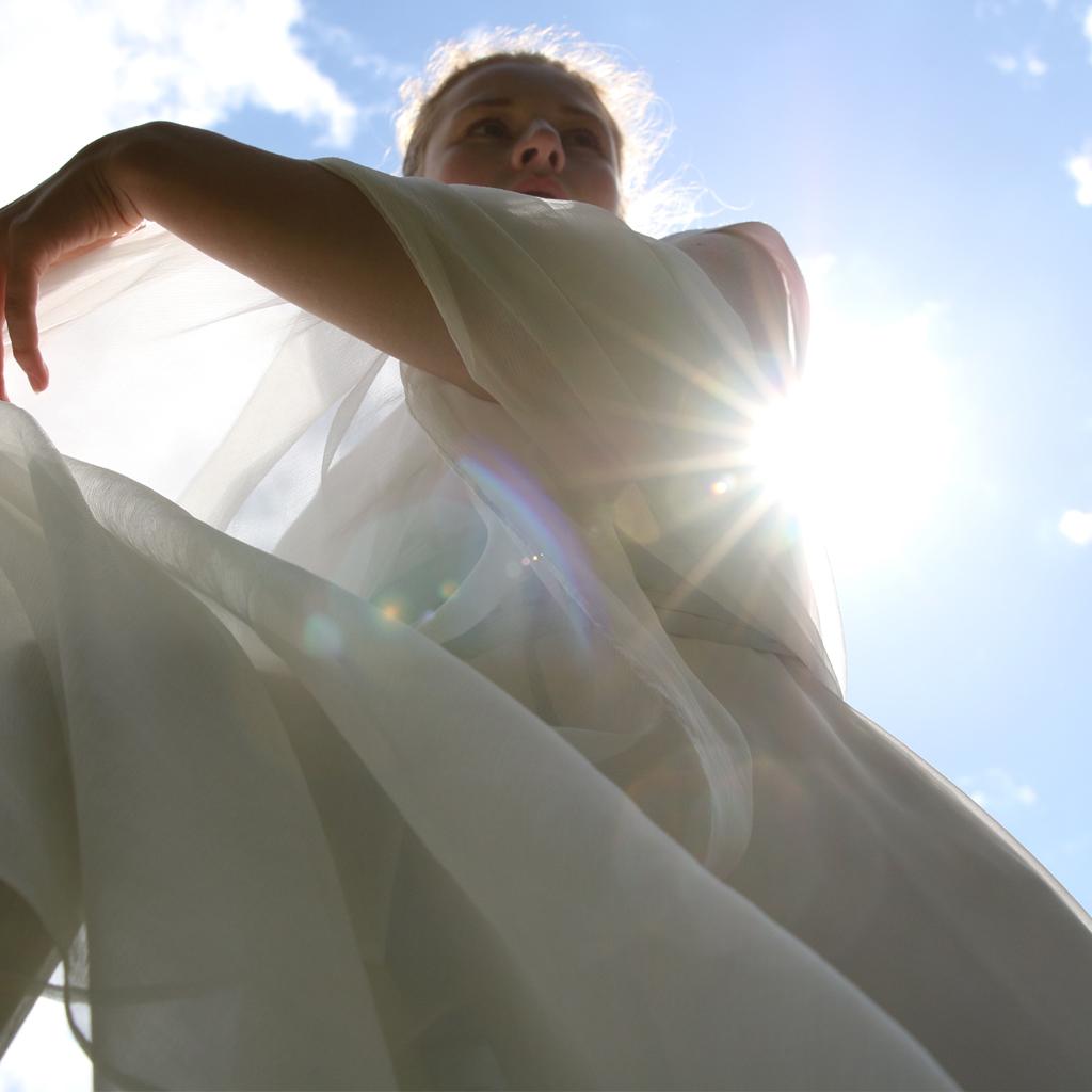 Große Seidenstola für jedes Brautkleid passend. Anfertigung in München im Atelier ma-eins.