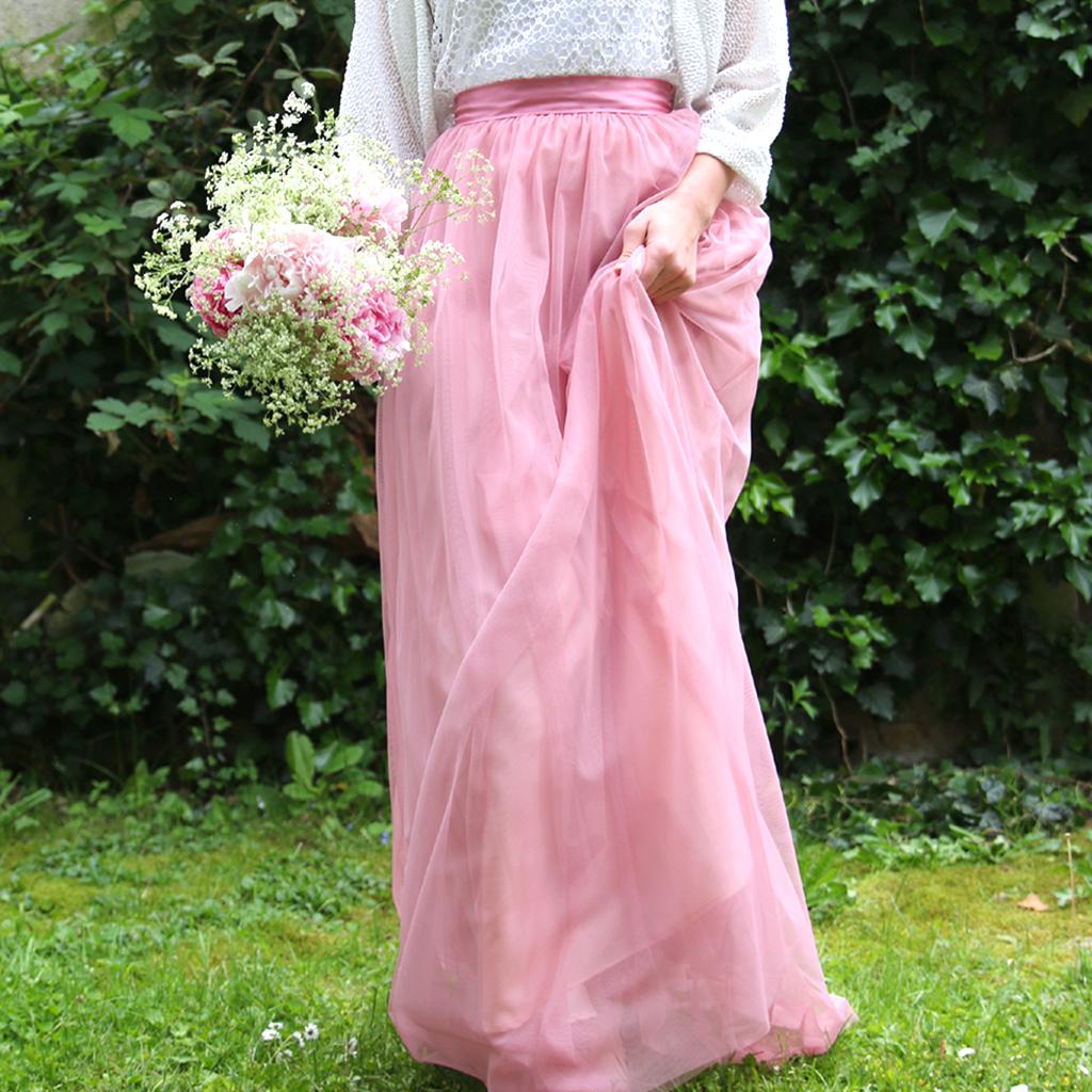 rose farbener Tüllrock für die Hochzeit. Brautatelier in München ma-eins fertigt dein Brautkleid an.
