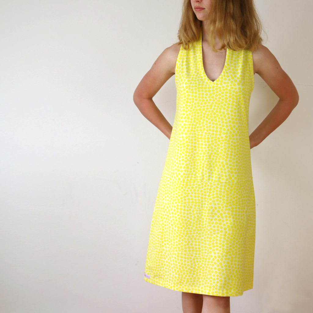 Ein gute Laune Strandkleid. Sommerkollektion vom Localbrand ma-eins aus München.
