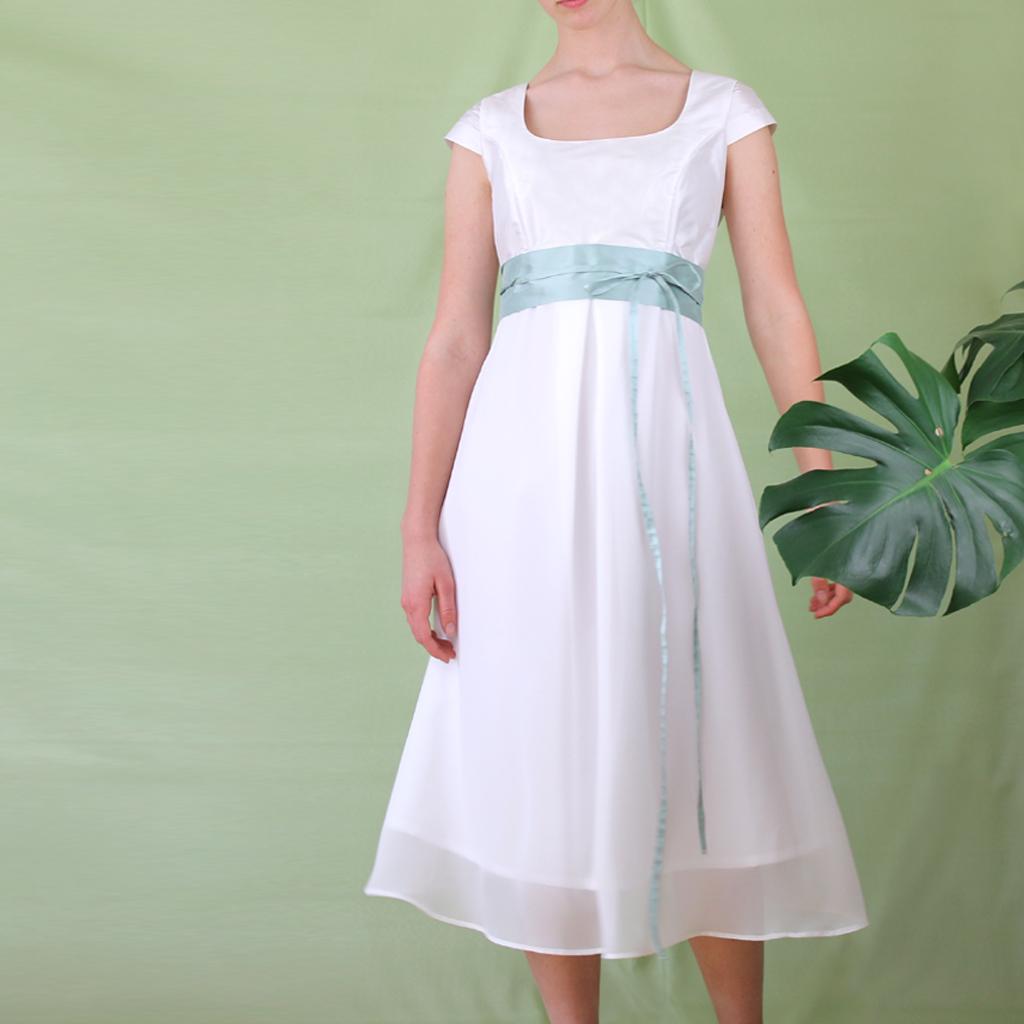 Hochzeitskleid für Schwangere. Label aus München fertigt individuelle Brautkleider für dich an.