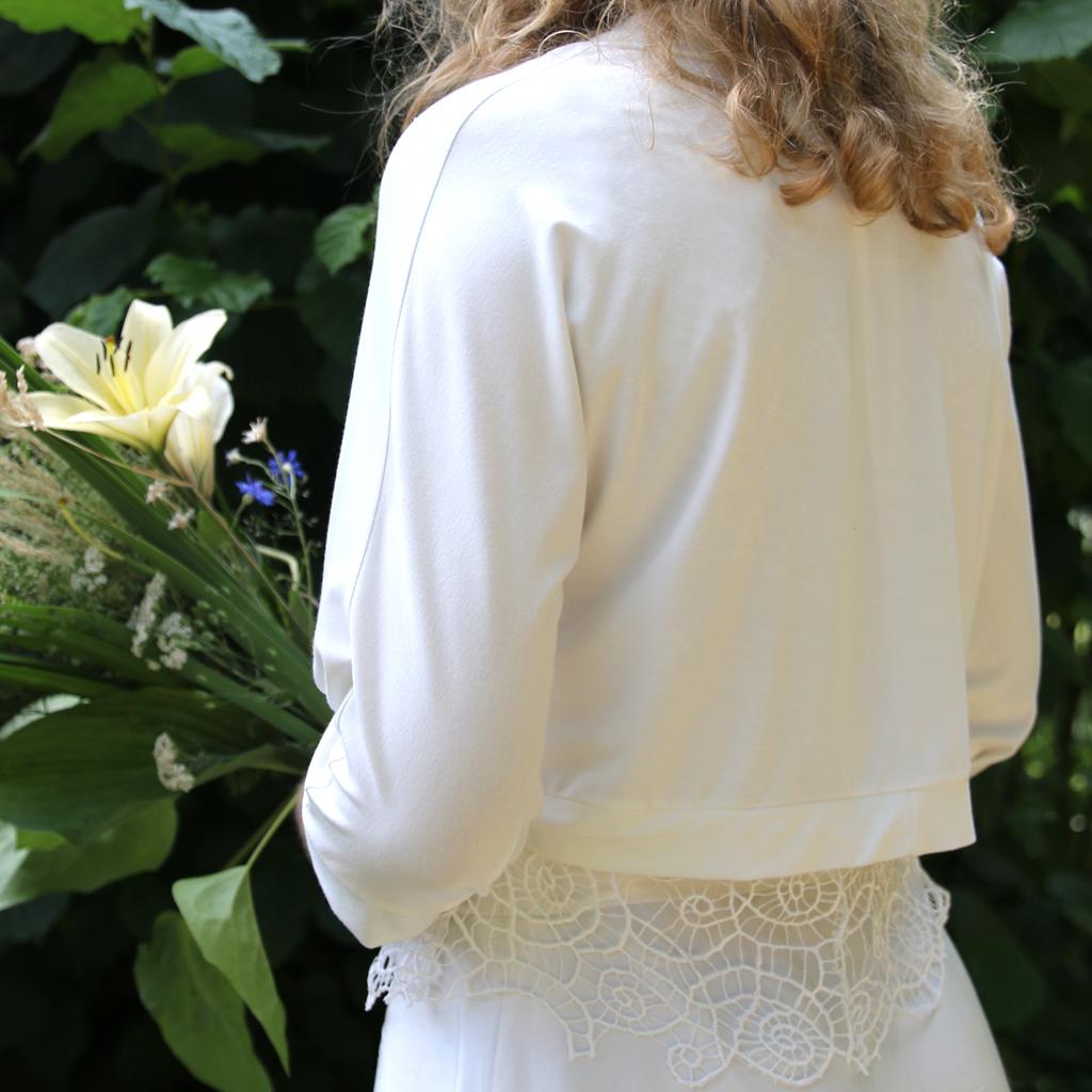 Braut Jacke in ivory. natürliche Brautmode aus münchen vom localbrand ma-eins