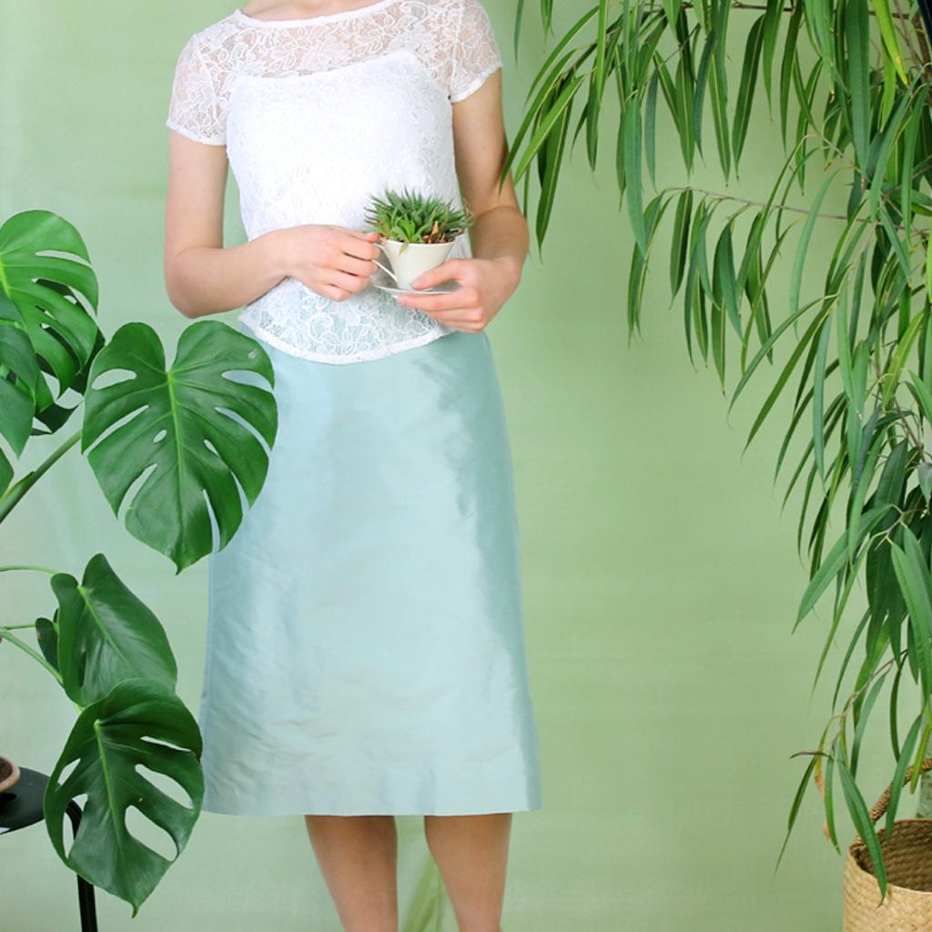 Stndesamthochzeit  der Brautlook ist natürlich und schlicht. Fashionlabel aus München für schlichte Brautkleider.