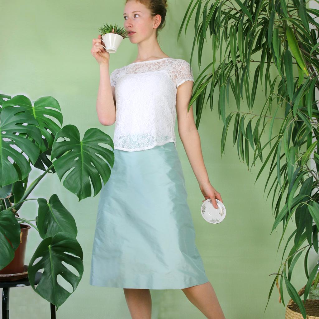 Hochzeitskleider für das Standesamt. natürliche Seidenstoffe und schlichte Schnittführung. Brautmodenatelier aus München