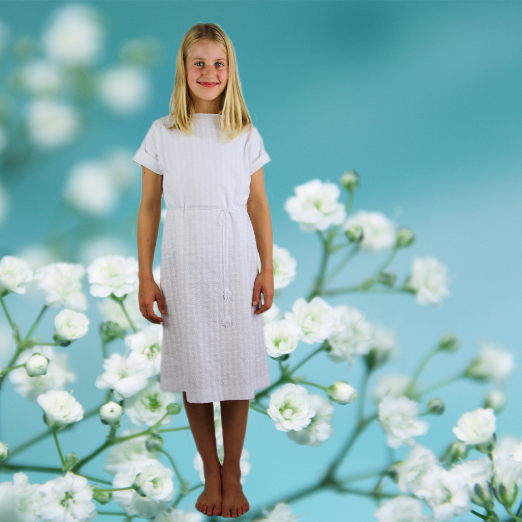 Ein ganz lässiges Kommunionkleid aus Baumwolle in München produziert von dem Label ma-eins