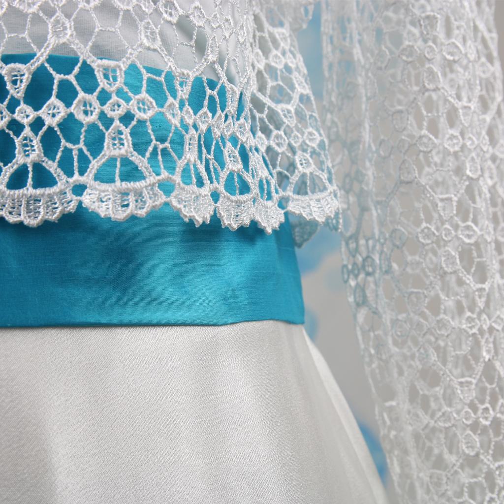 Türkis Seidengürtel für das Braurkleid mit Spitze. Natürliche Brautkleider aus München. Modelabel ma-eins