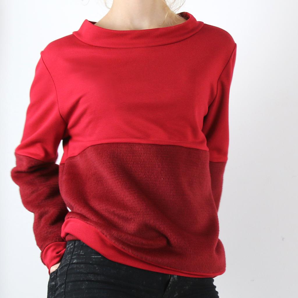 roter Pullover aus der Kollektion ma-eins Herbst/Winter aus München