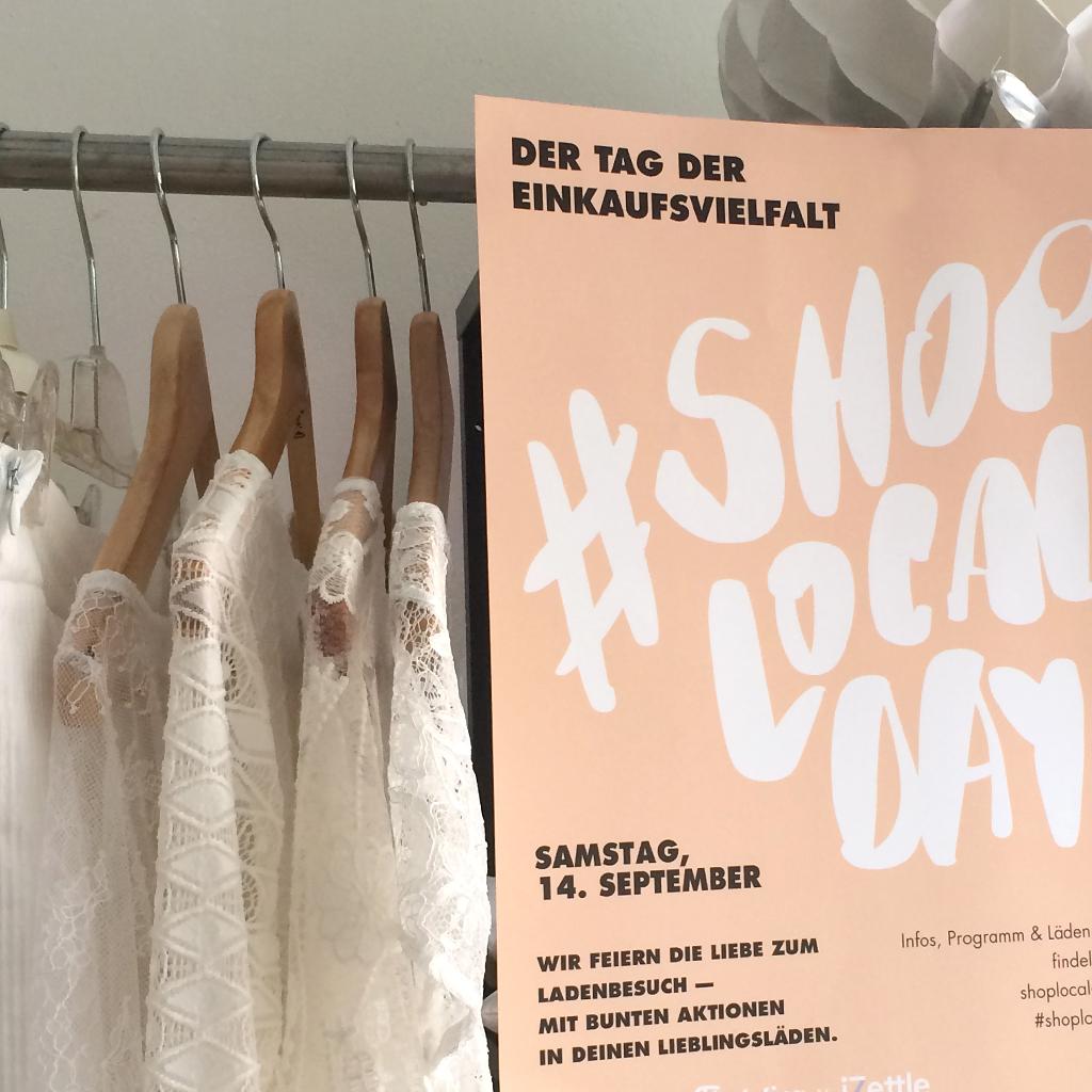 Einkaufsvielfalt der kleinen Labels. Brautmode und Hochzeitkleider und ready to wear bei ma-eins.