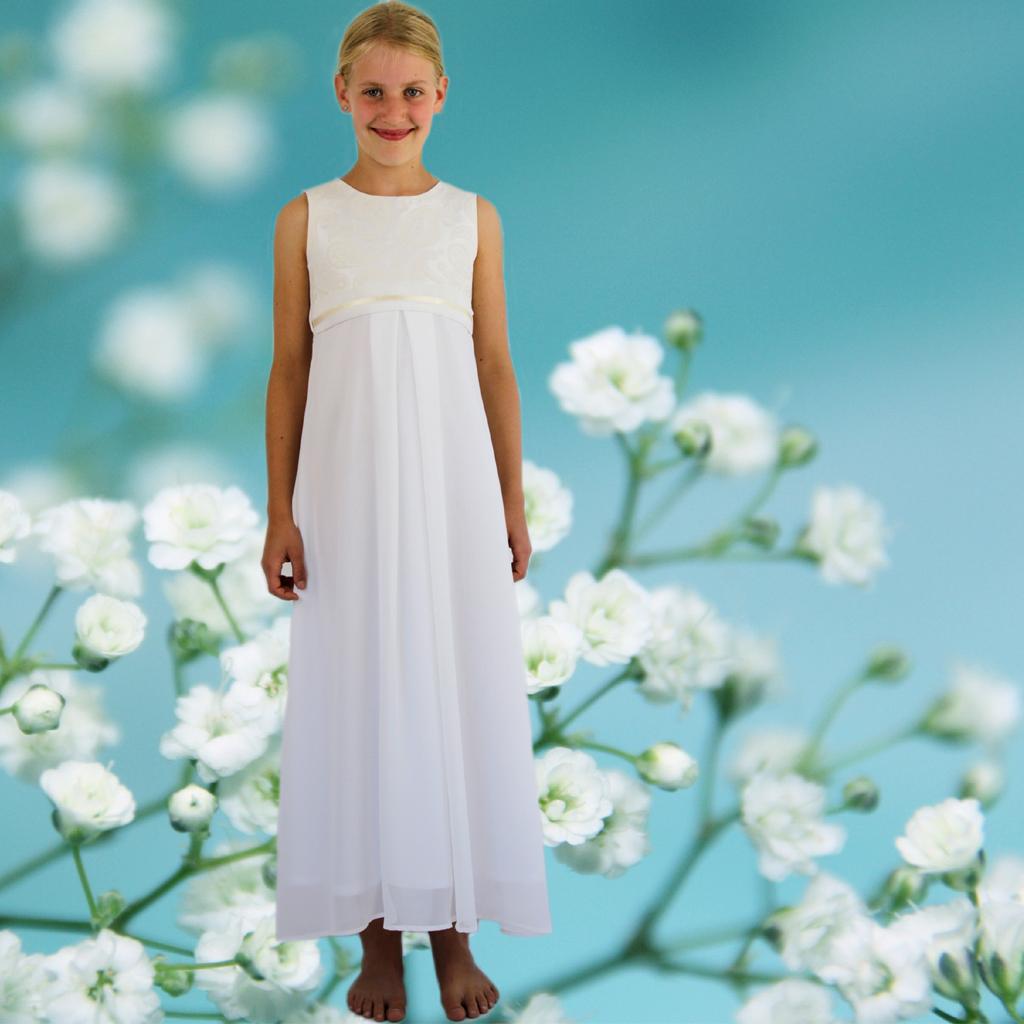 Kommunionkleid Stella ist schlicht und festlich, in München angefertigt und deutschlandweit versendet.