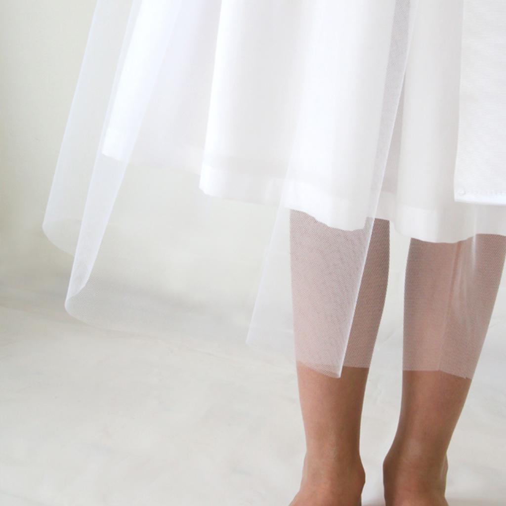 der 3/4 Lange Tüllrock zur Kommunion oder als Blumenmädchenkleid zur Hochzeit. schlichte natürliche Kommunionkleider aus München.