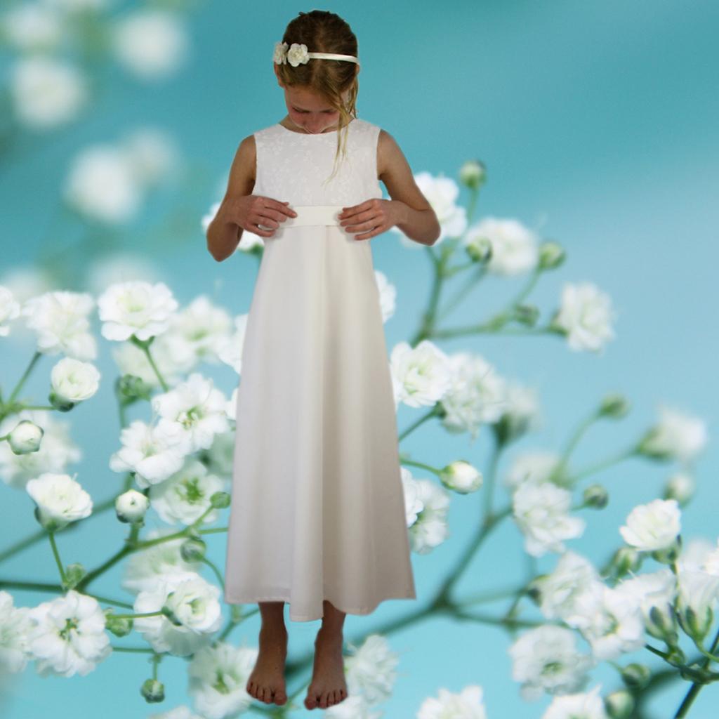 lange weiße und elegante Mädchenkleider für die Kommunion. Einfache Bestellung und persönliche Anfertigung.