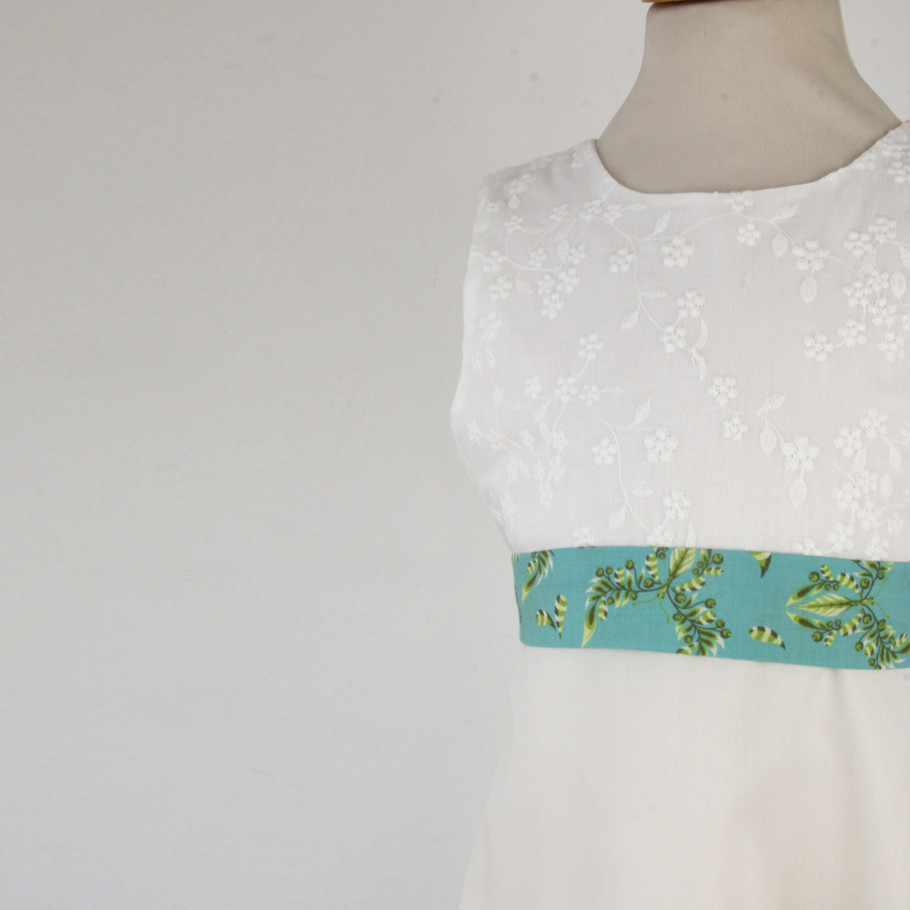 bunte Gürtel für die kommunionkleider. schlichte Kommunionkleider für die Kommunion 2020 uns später schöne Sommerkleider.