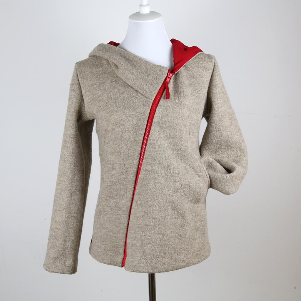 besondere Wolljacke aus bescher Wolle. Wunschjacke für den Winter. In München im Atelier ma-eins angefertigt