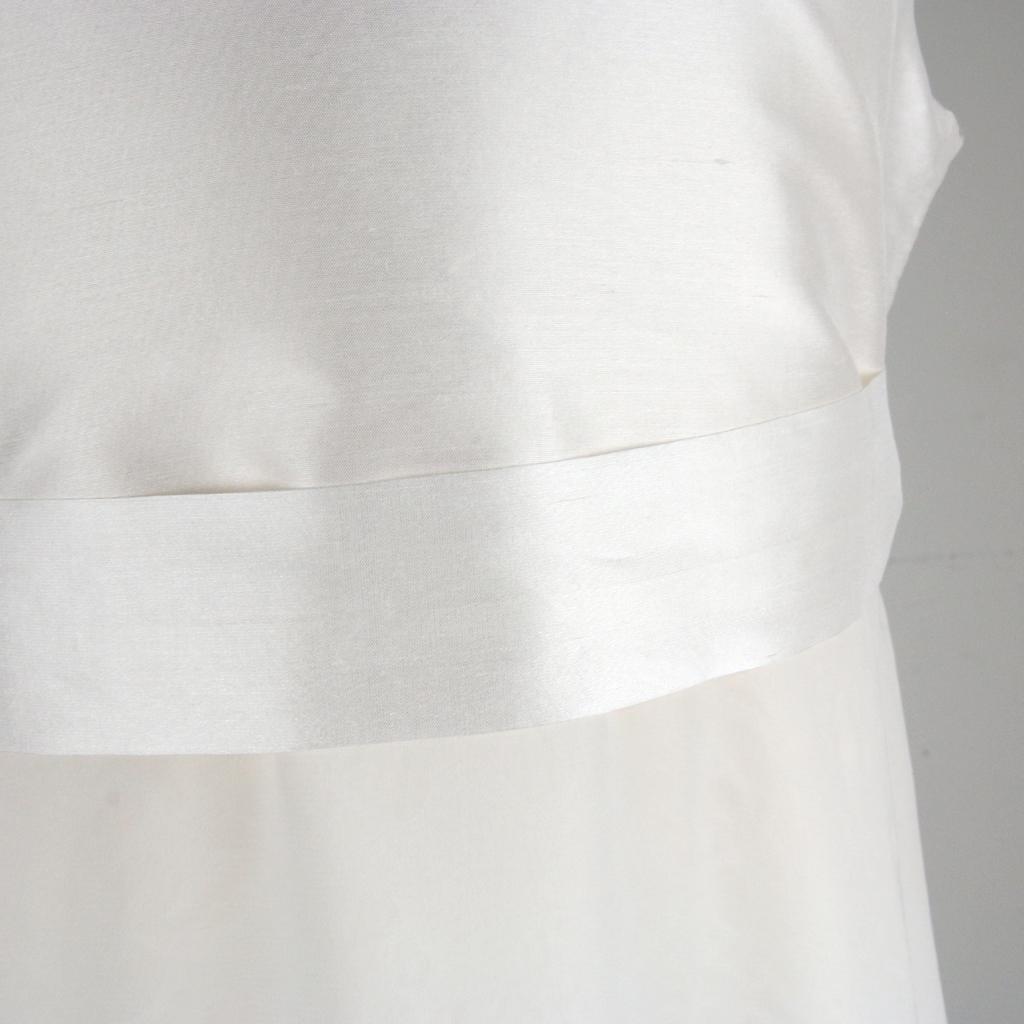 Kommunionkleid mit feiner Seide sehr elegant für die Firmung. In München angefertigte Kommunionkleider