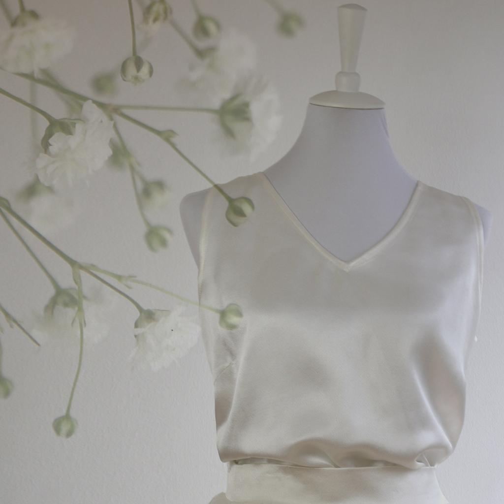 lockeres Brautoberteil aus Satin. natürlich und luftig zu tragen und toll mit jeansoder Lederjacke zu kombinieren. Hochzeitskleider aus München