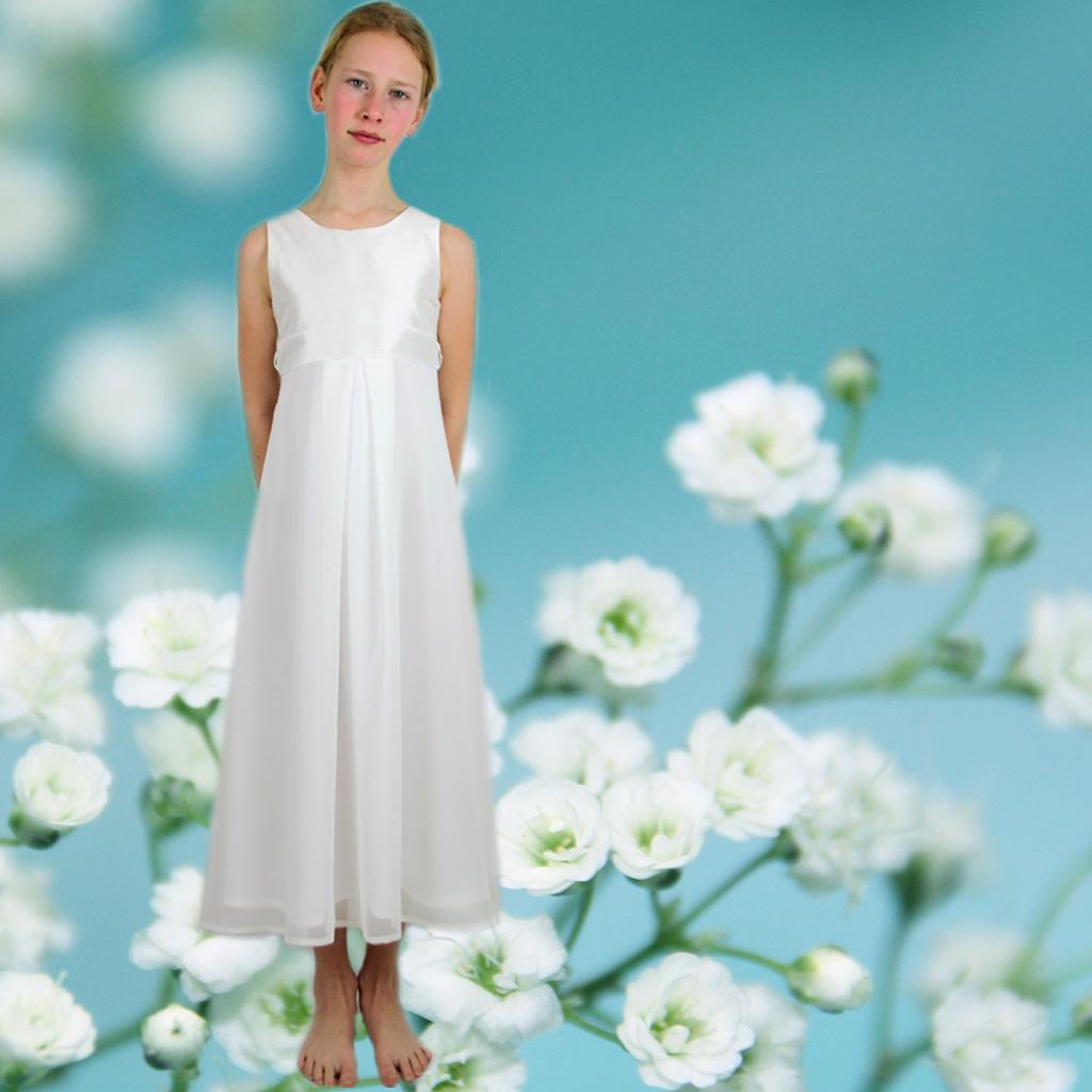 Das schlichte elegante Kommunionkleid Sofia ist ein Klassiker unter den Kommunionskleider. Auch für die Kommunion2021
