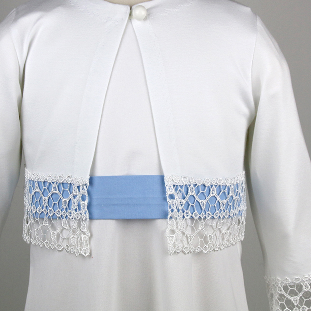 blauer Gürtel zum weißen Kommunionkleid