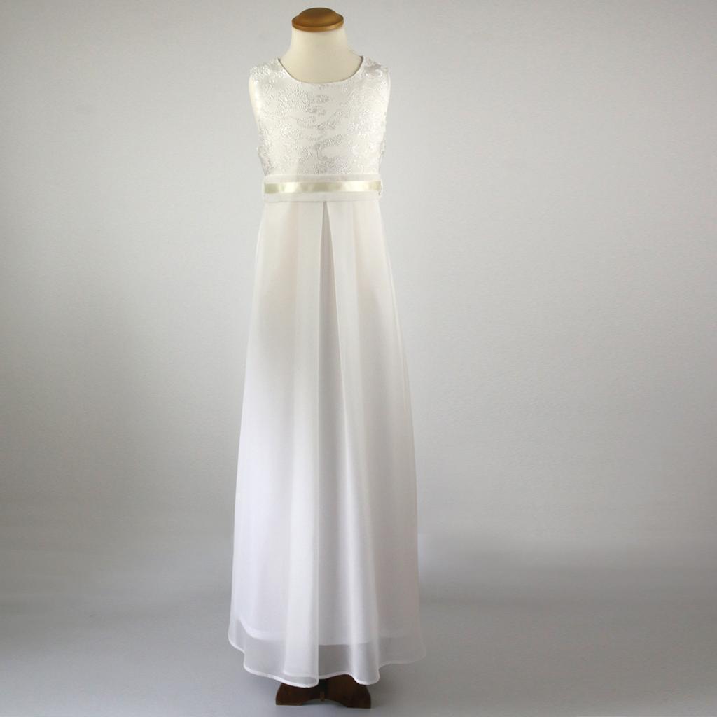 Das neue Kommunionkleid für die Kommunion2021 Laura wird in hoher Qualität in München angefertigt.