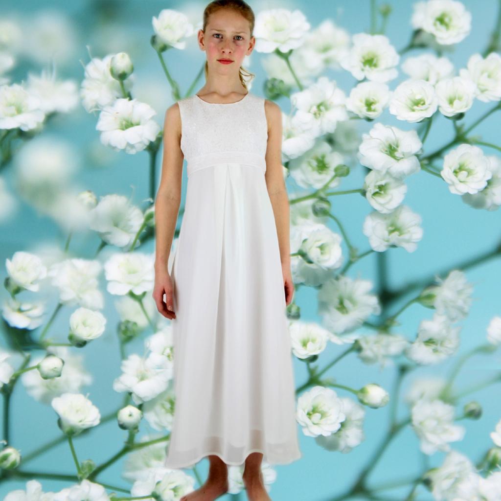 Das Erstskommunionkleid Laura ist elegant und stilvoll. Ein langes Kommunionkleid für Mädchen