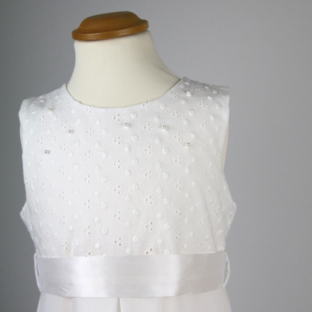Seidengürtel zum edlen Kommunionskleid in gedeckten weiß.