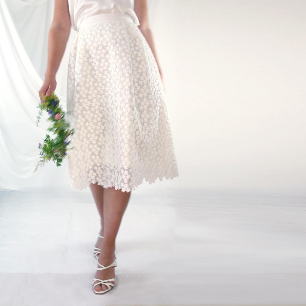 schöner Brautrock für die Hochzeit und ein zauberhafter Sommerrock in München fait produziert