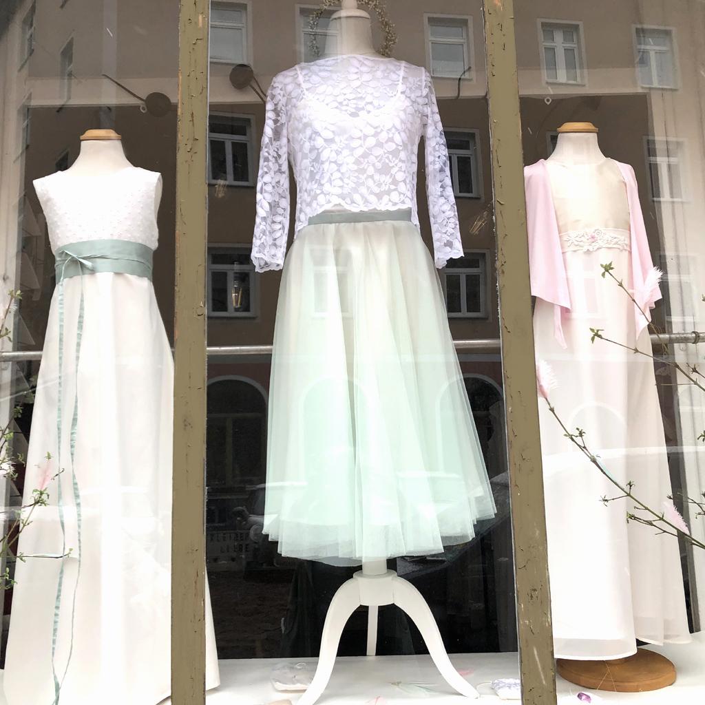 Atelier mit Brautkleidern und Kommunionkleidern in München.