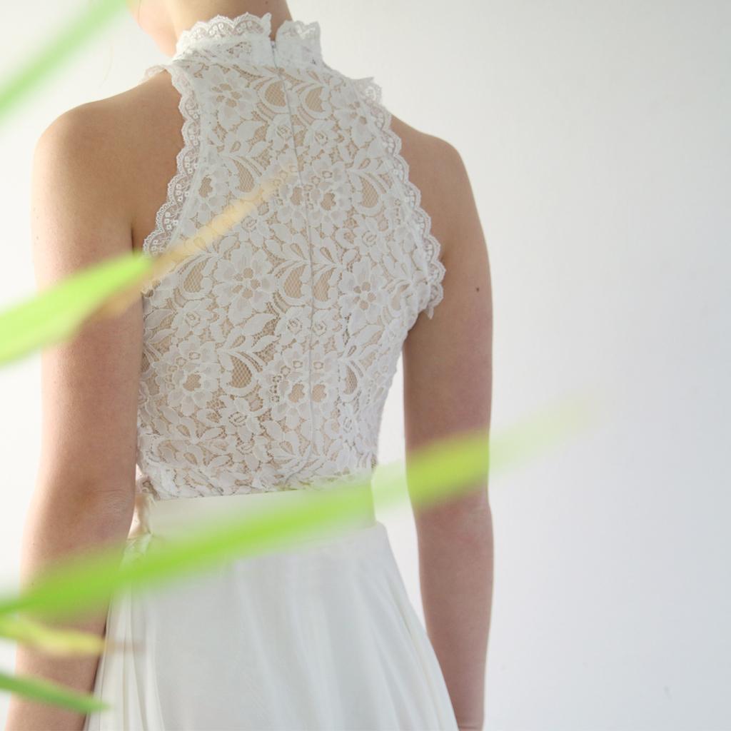 Standesamt Hochzeitskleid 2021 . Zweiteilige Hochzeitskleider liegen im Trend.
