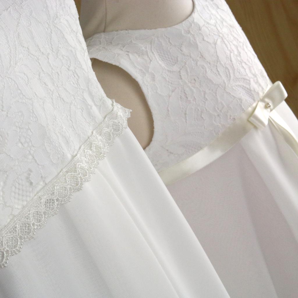 Zwei gleiche Kleider für Mutter und Tochter und Braut und Blumenmädchen zur Hochzeit
