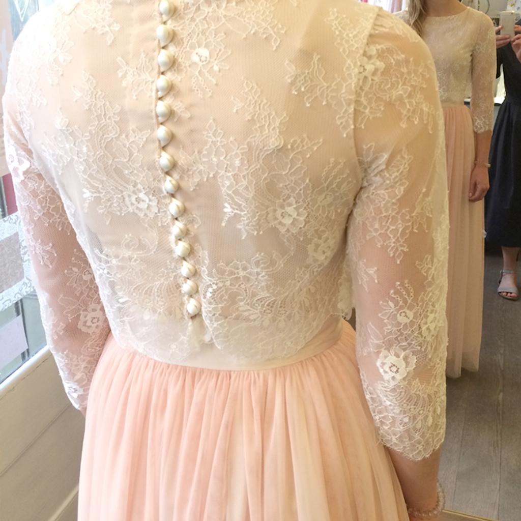 Brautoberteil mit Knopfverschluss im Rücken und als Brautbody