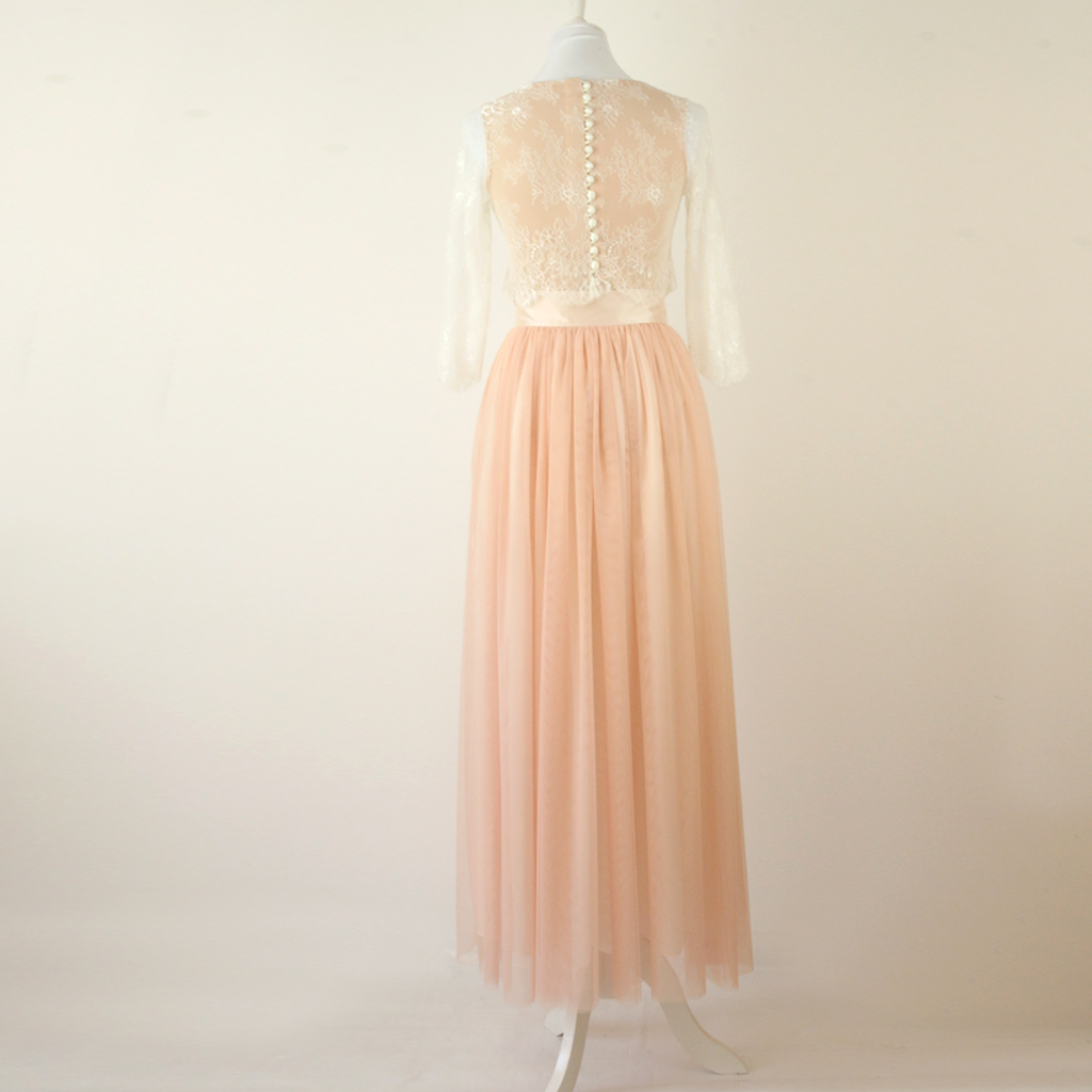 Mix Match Hochzeitskleid mit osefarnenen Hochzeitsrock.
