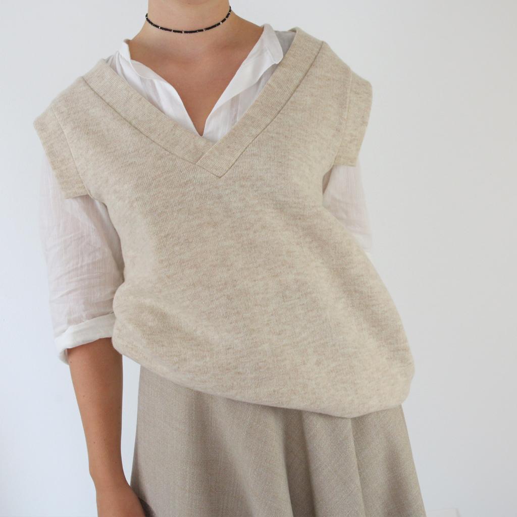 sandfarbenes Wolltop aus München stark zu kombinieren mit Hosen und Röcken