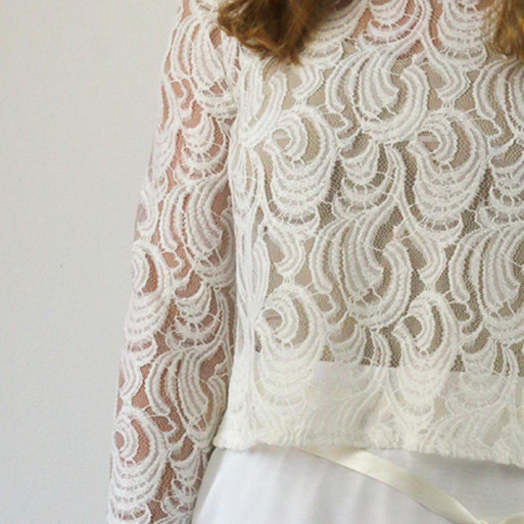 Ein Brautoberteil in ivory. Nach der Hochzeit Nachhaltig als lässiges Oberteil weiter getragen