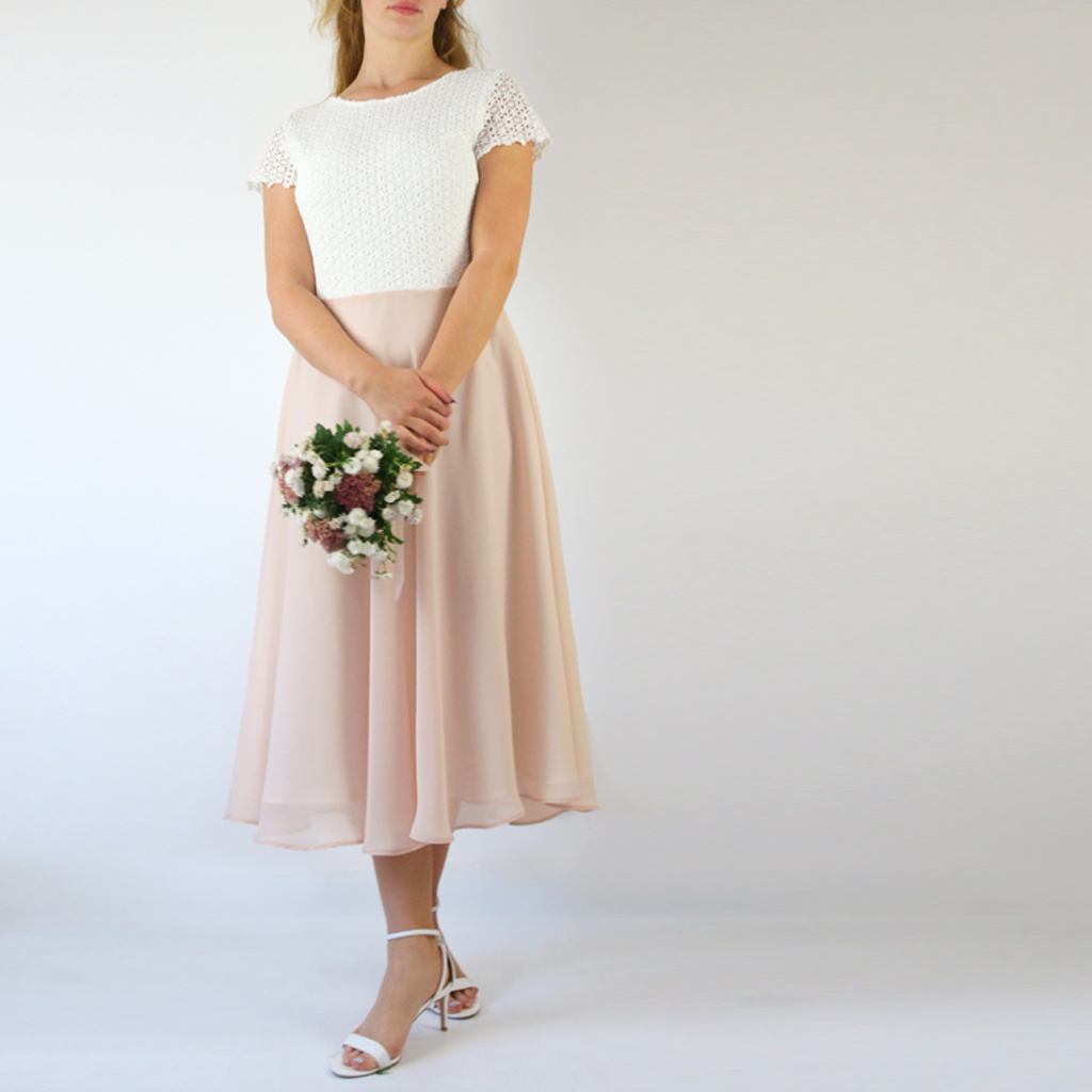 Ein Standesamtkleid und ein Hochzeitsgast Kleid. 1 Kleid für mehrere Anlässe.