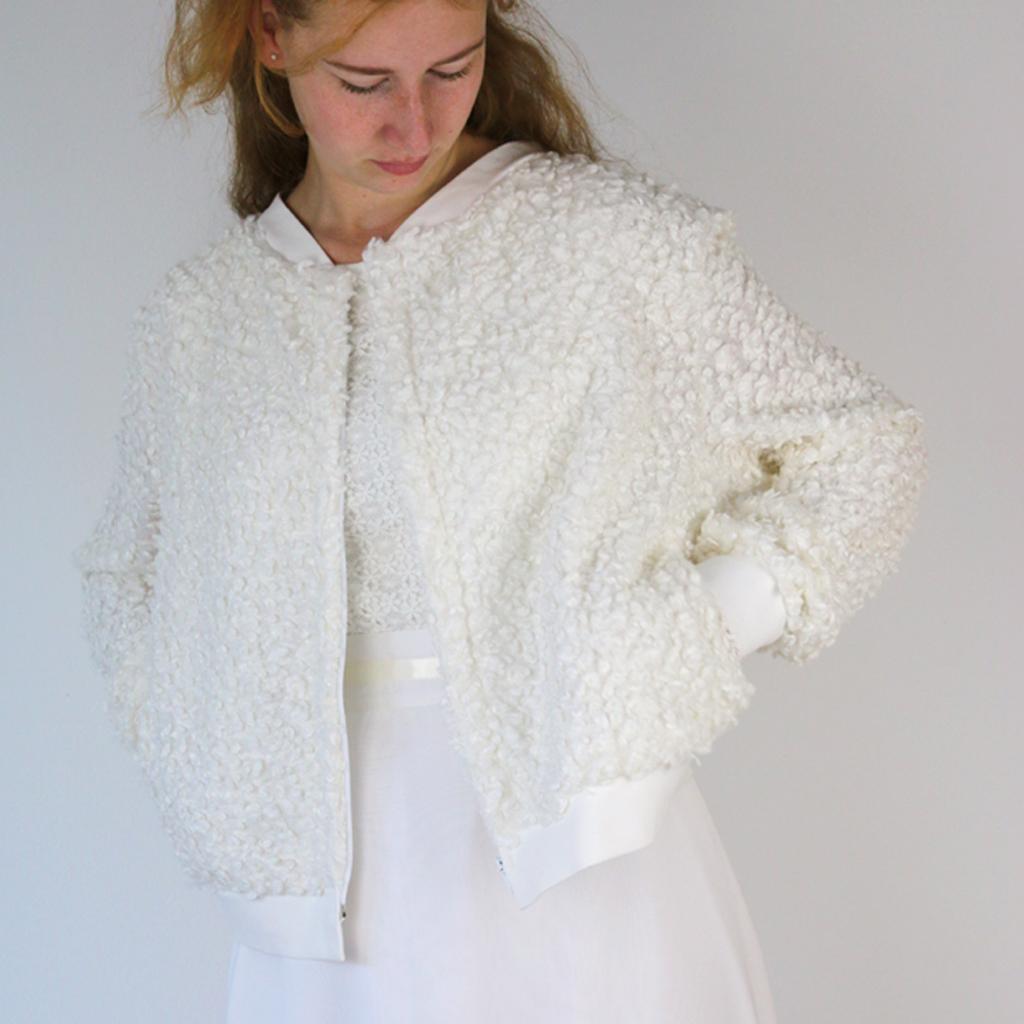 weiche warme Hochzeitsjacke für eine Winterhochzeit